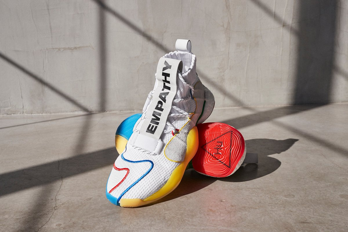 Yup... they come in white. ???????????????? @adidasoriginals Crazy BYW LVL X is out NOW. https://t.co/XcCflpkOqn https://t.co/3uaKUrt9aR