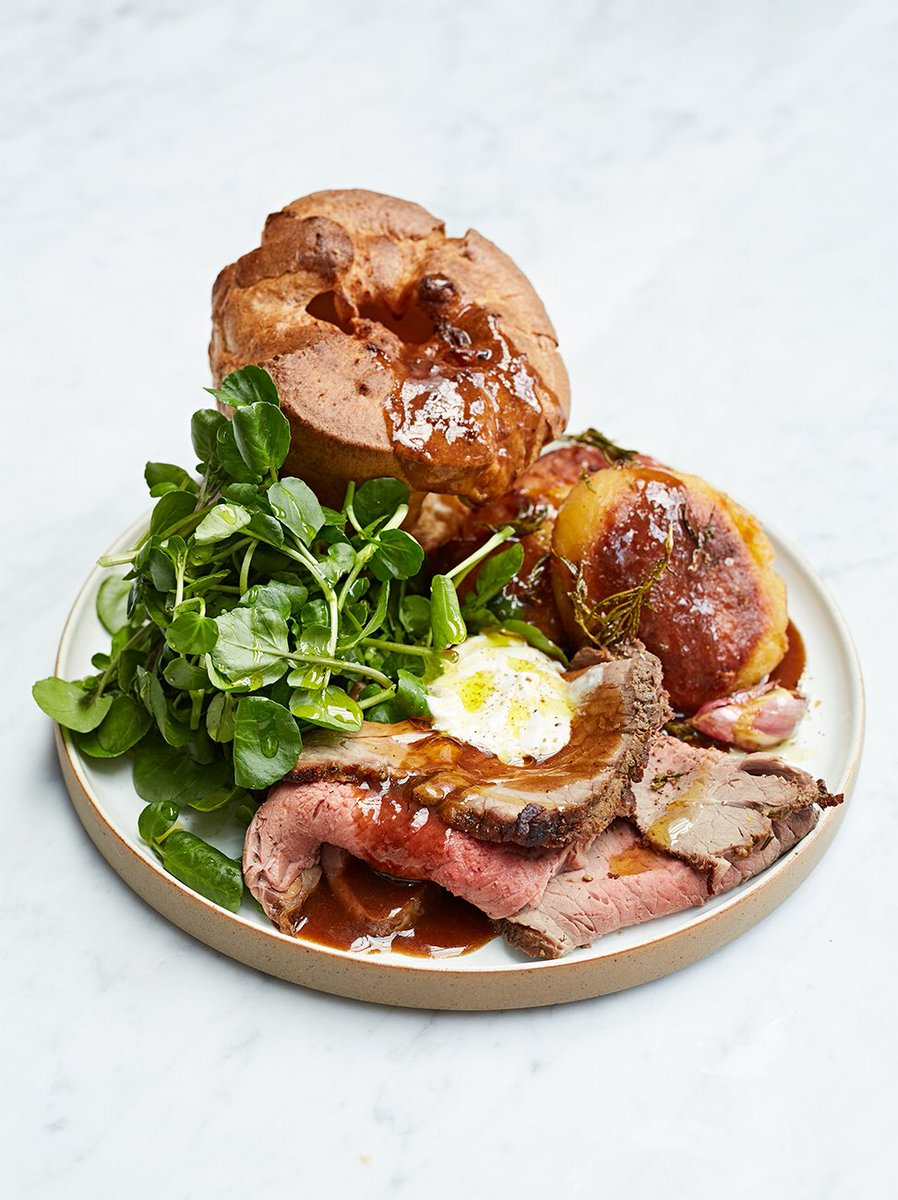 Because what's a Sunday without a #SundayRoast?? ????  https://t.co/6ISG0hYC1I https://t.co/NQPsYAMRxd