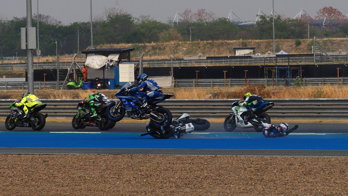 "test Twitter Media - 😯 @Perolari_94 : ""It was just like in motocross!""  ✈️ Flying Frenchman comments on superb Thai save  #THAWorldSBK 🇹🇭  📄 