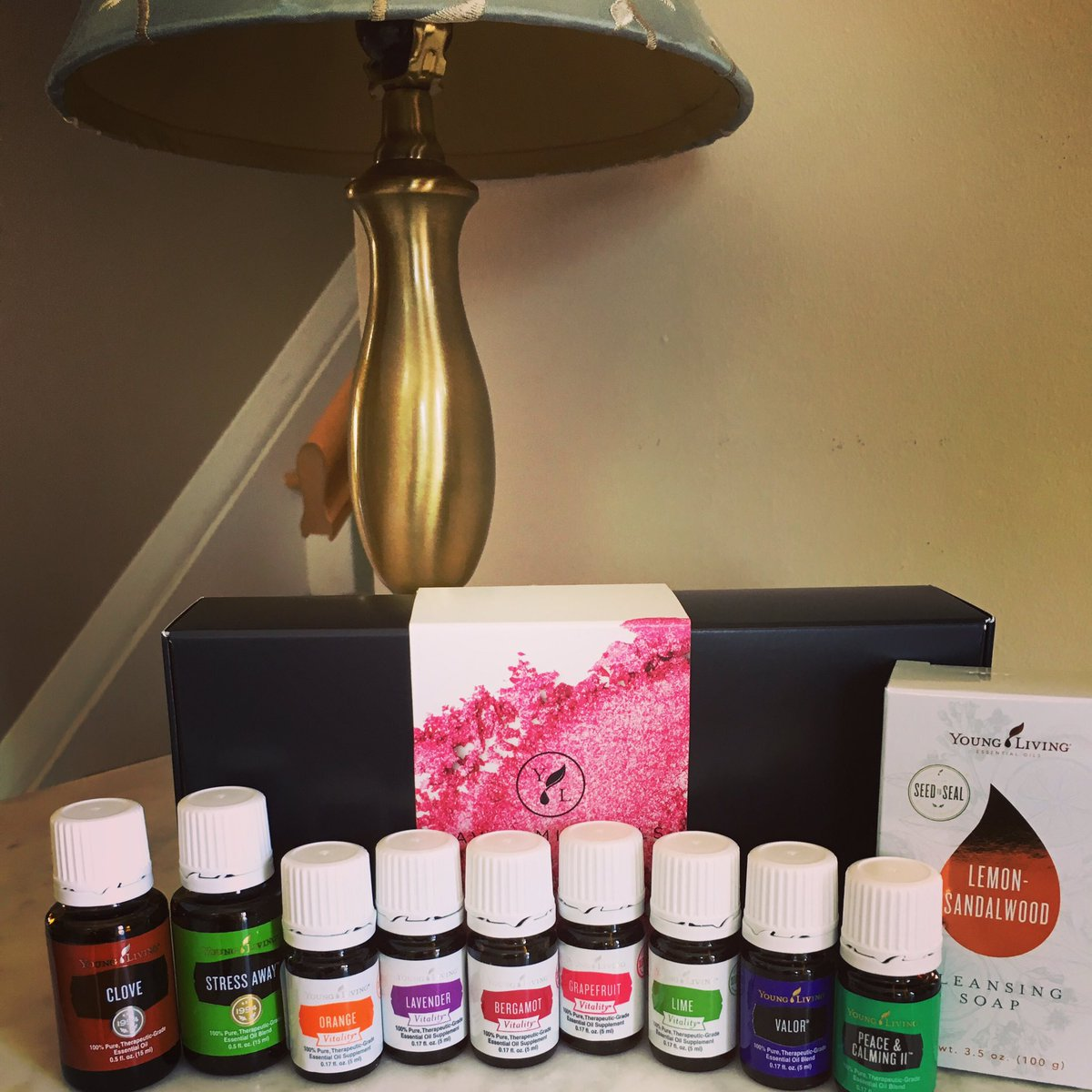 One of my favorite days is when my Young Living products get delivered!💗💗💗#deliveryday #happy #thankful https://t.co/f8Dj9Upvv2