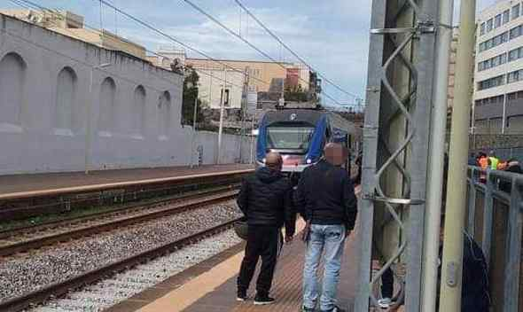 test Twitter Media - #Tragedia sui #Binari, muore 47enne  #TorreDelGreco #Cronaca #PrimoPiano - https://t.co/vKlUfhwdUr https://t.co/3en0GgkyEU