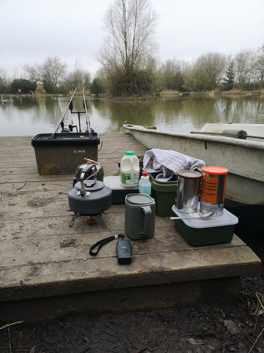 Keeping it simple today 😁🤞 #carpfishing #fishing #<b>Essexcarp</b> https://t.co/IVX2vSnFLt