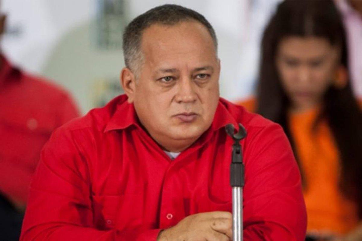 Diosdado Cabello confirmó que José Vicente Rangel está enfermo https://t.co/NOvDrBtcy5  https://t.co/UefywJ6xoB