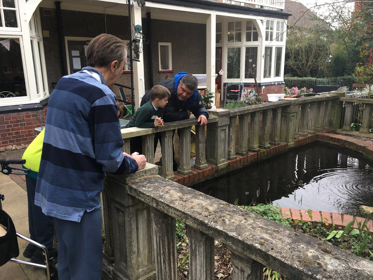 test Twitter Media - More photos from today's session at Bournville Grange. Bert showed us the nutcracker he made and we looked for life in the pond #intergenerationallearning @geri_baby @afatscientist @ABCDoes https://t.co/1UWHhBmnDp