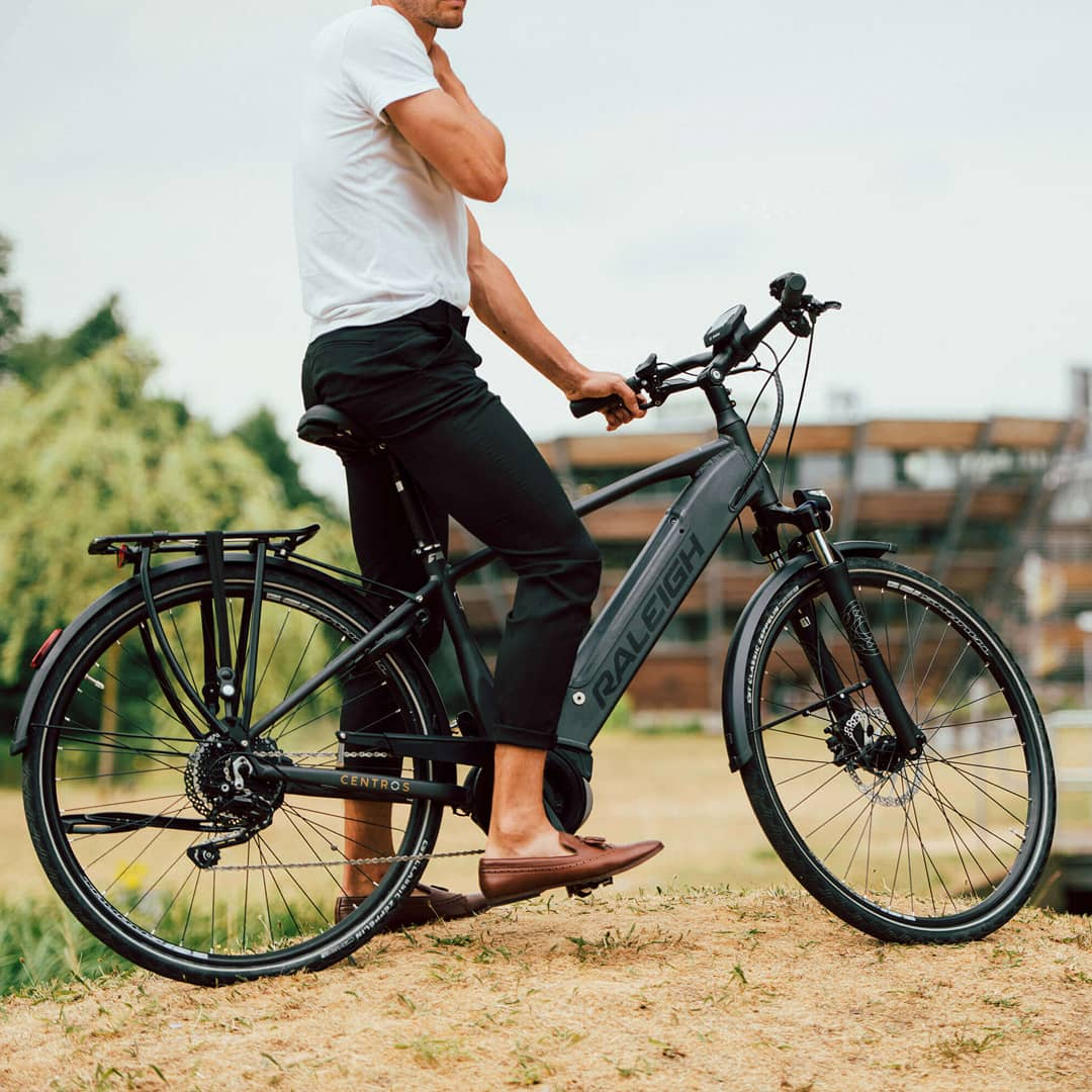 Dreaming of an premium electric bike Take a look at the Raleigh Centros.  #ralieghelectricbikes #electricbikes https://t.co/ctOqQS5FEu