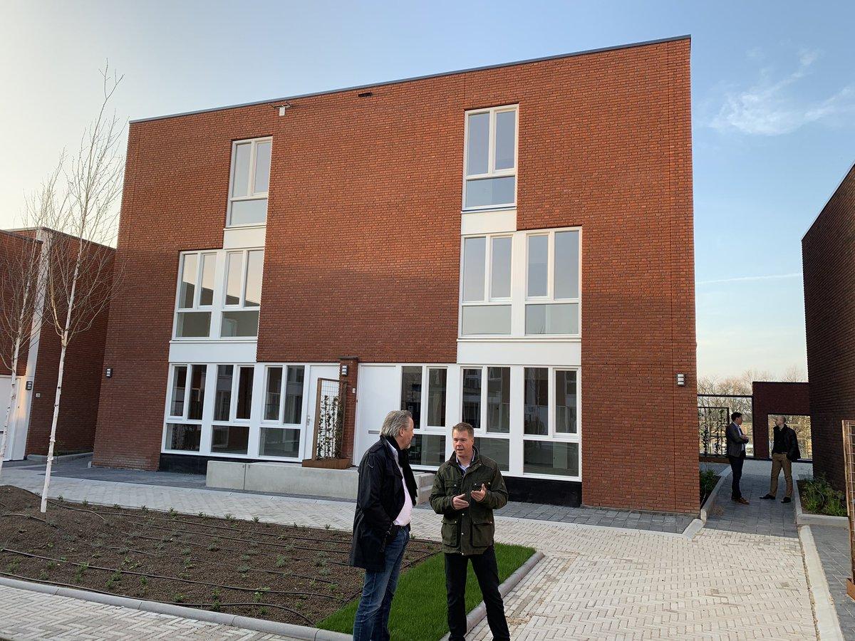 test Twitter Media - Vanavond mijn debuut gemaakt bij de Tilburgse Bouw Sociëteit, gezellige avond gehad! Bezoek aan Vormenrijk gebracht, project van @VandeVenBouw. #tiboso #netwerken https://t.co/wO3z7RWCoA