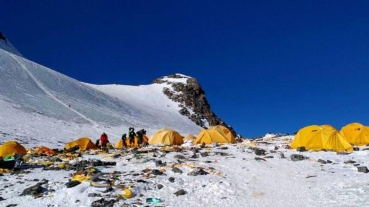 Los cadáveres que quedan expuestos con el derretimiento en el Everest https://t.co/zD9ASM8WY8  https://t.co/M6Z2im3BeB