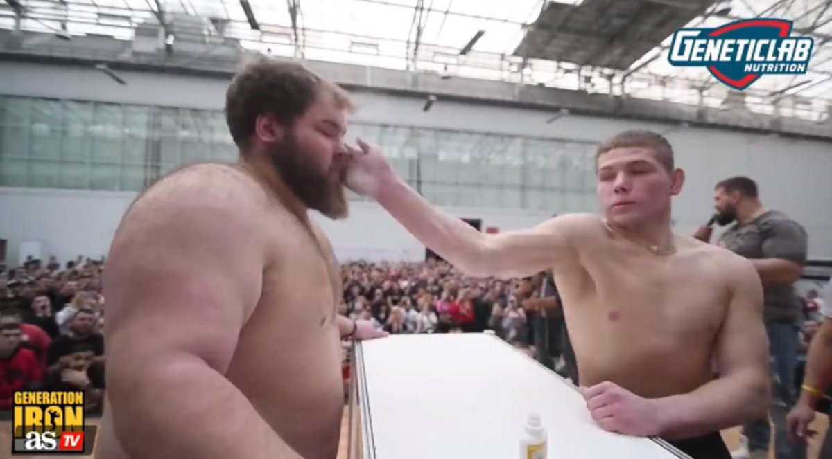 [VIDEO] Rusia celebró el primer campeonato de bofetadas del mundo https://t.co/KcoNhxBrkO  https://t.co/iAblebaKRp