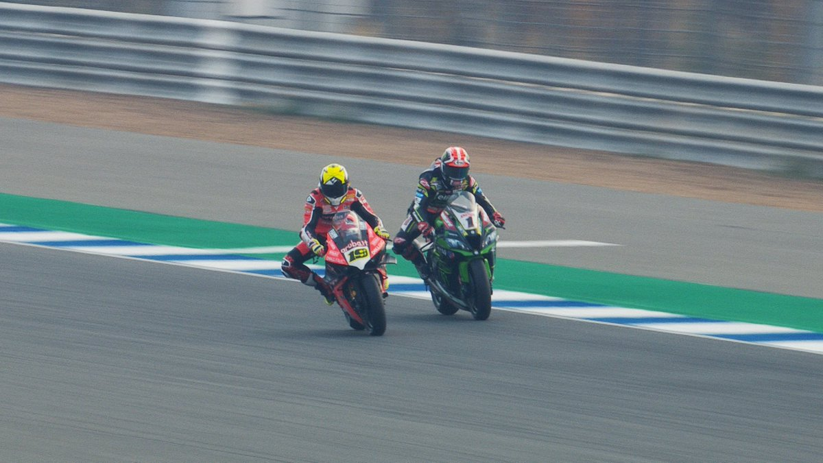 test Twitter Media - ⚔️Battles, records and more: Relive the action from Buriram!  #THAWorldSBK🇹🇭   📹 VIDEO | #WorldSBK https://t.co/1fcbryzjHA https://t.co/iwXnE4kzSL