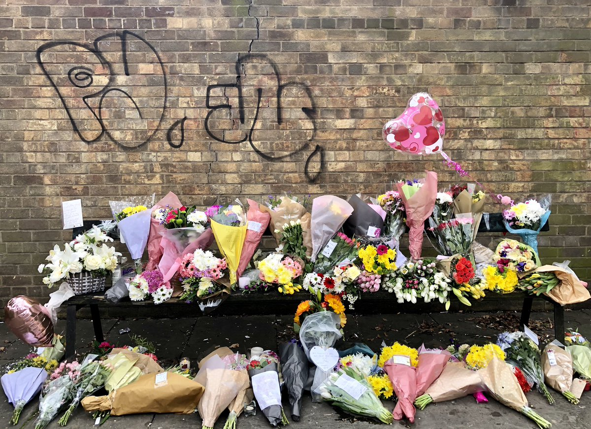 test Twitter Media - Flowers have been laid in various positions around Hull were Libby studded and was last seen, for more on this story watch @itvcalendar to see @JonnyBrownYorks report and @RachTownsendITV live from Libby's university https://t.co/QvmXLPze5K