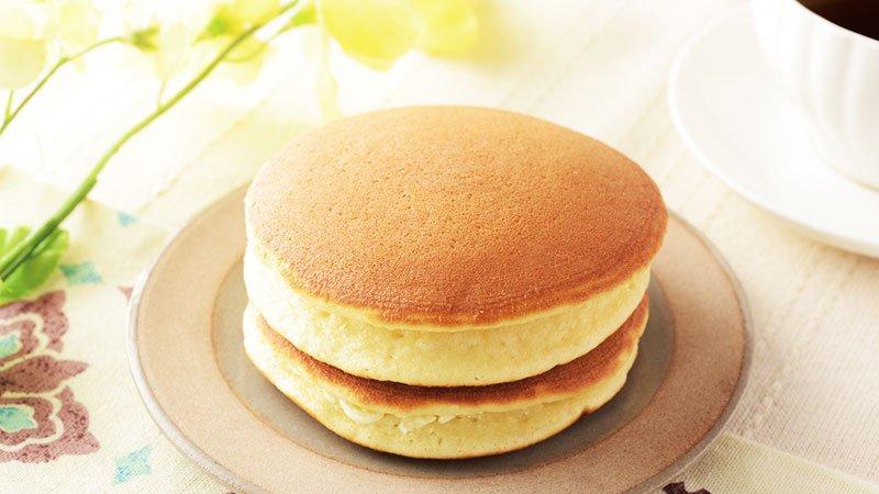 朝ごはんにもぴったりの「ふわふわホットケーキ 2個入」です♪ふわふわとしていておいしいです(^^) #ローソン...