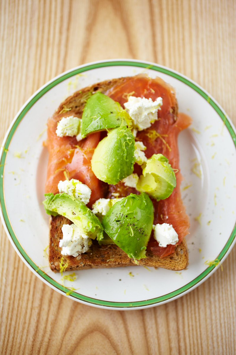 Because we all know the smoked salmon and cream cheese combo makes for a top-notch breakfast! https://t.co/NEYbpZxEH3