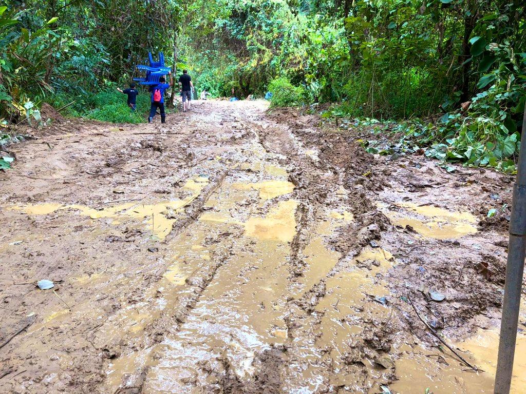 #DSDS @RTLde War das ein 'Spass' im thailändischen Dschungel...😬 https://t.co/bgh1wzJwAu