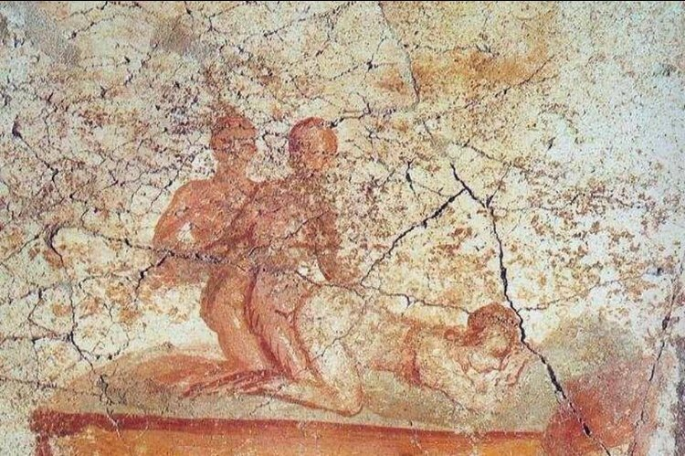 "test Twitter Media - The Italian #FarRight party ""Forza Nuova"" is protesting against a #GayPride Parade in Pompeii, because it's against Italian values. Meanwhile in the old Pompeii...  #ForzaNuova contro il Gay Pride di #Pompei perché lede i valori italiani. Nel frattempo, nell'antica Pompei...👀🌈 https://t.co/yuBJHQhK9b"
