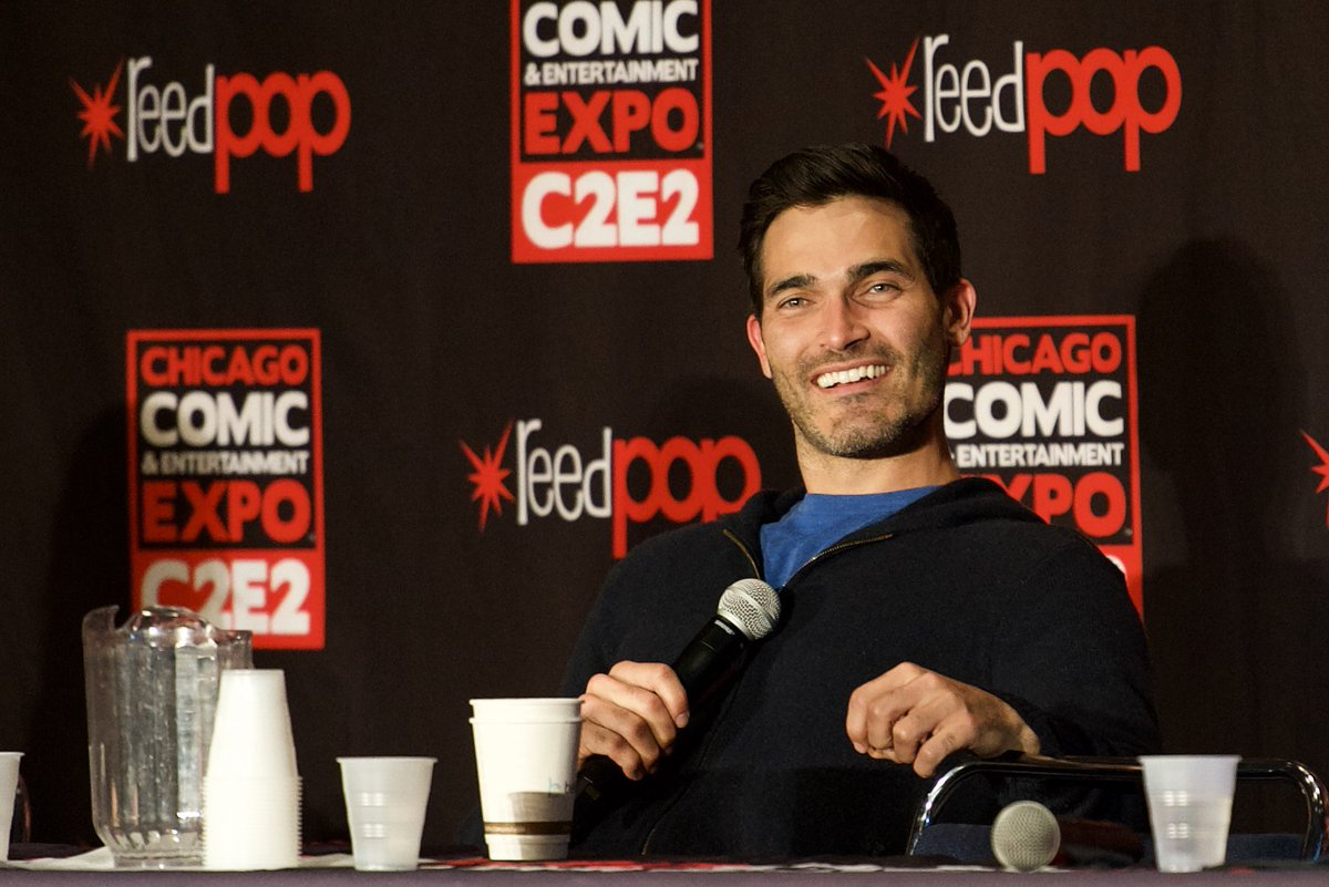 test Twitter Media - One last photo of @tylerhoechlin and the water pitcher and plastic cups that are the bane of my existence.   #C2E2 #Supergirl #Superman #TeenWolf https://t.co/rvHrxB2QUq