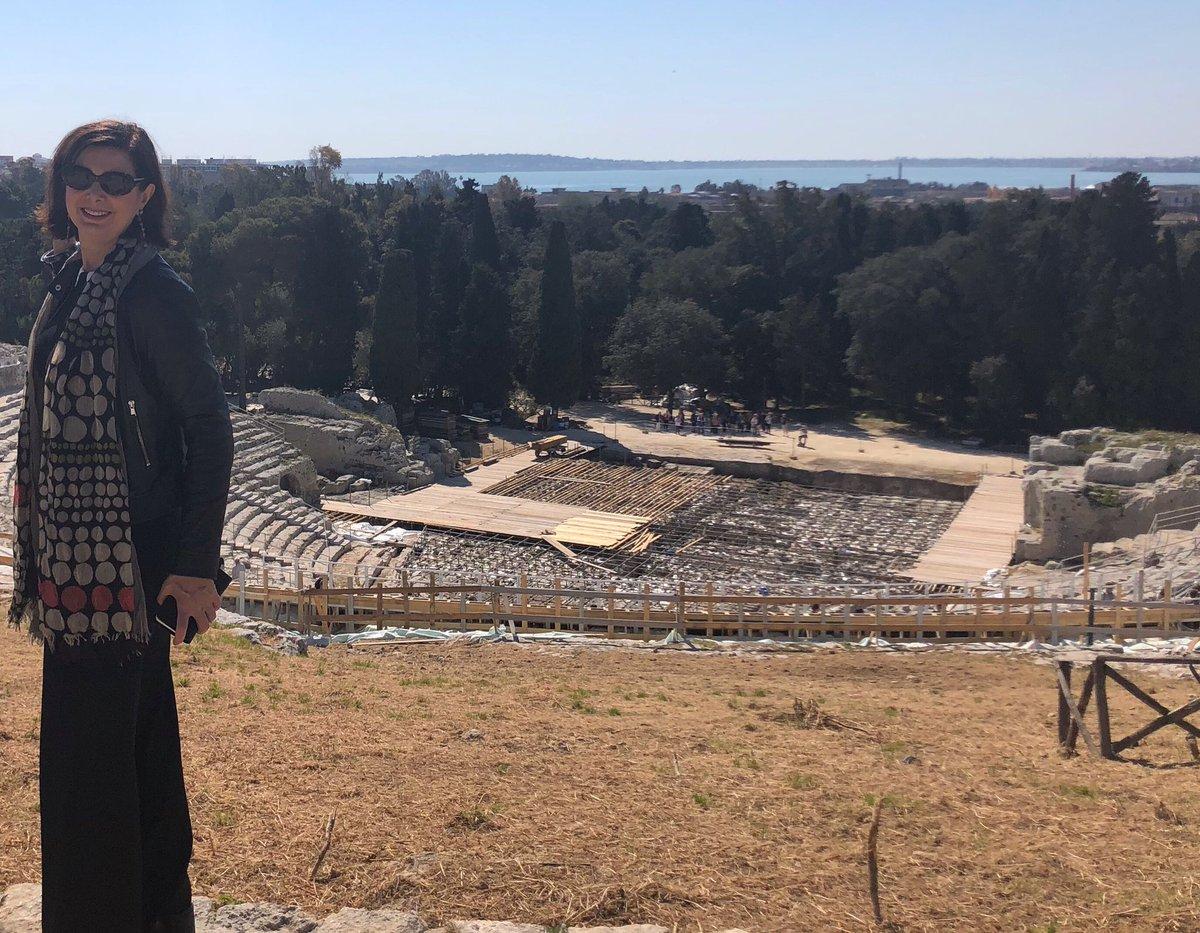 RT @lauraboldrini: Buona domenica dal teatro greco di Siracusa  Che terra meravigliosa la Sicilia! https://t.co/ljyB1sAA5P