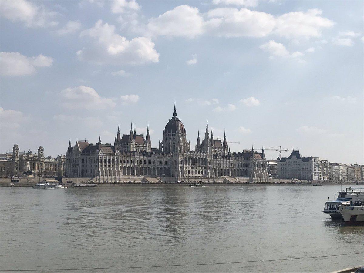 RT @alanthomasdoyle: Hello Budapest. https://t.co/nTmRDmw1wR
