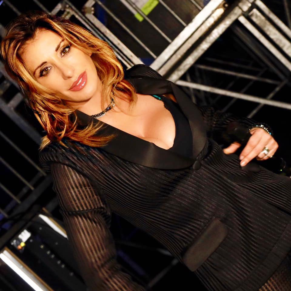 About last night... #sunday #dimanche #sabrinasalerno #sabrina #homesweethome https://t.co/gay0ECbhVt