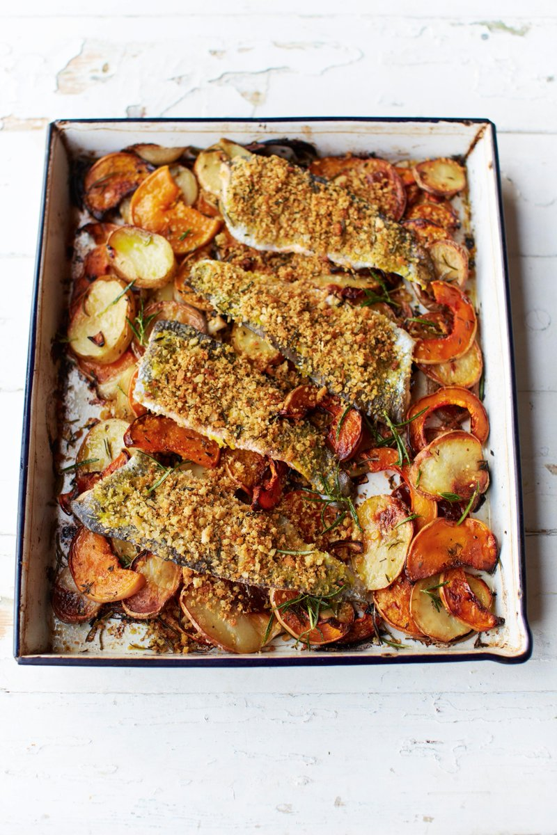 #TrayBakeTuesday! Who's keen??  Trout al forno - p250 in Save With Jamie. https://t.co/XJkdFDBxMM