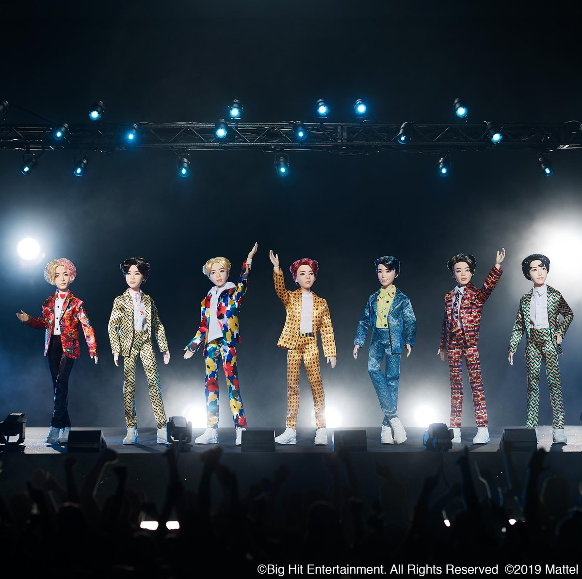 test Twitter Media - MIC Drop, ARMY! 🎤For the first time ever, we're thrilled to show you the line of #BTSxMattel fashion dolls! Take a look at V, SUGA, Jin, Jung Kook, RM, Jimin and j-hope as dolls inspired by the Idol music video! 💜😍#BTSDollsOfficial @BigHitEnt https://t.co/0fd1XpLVFF