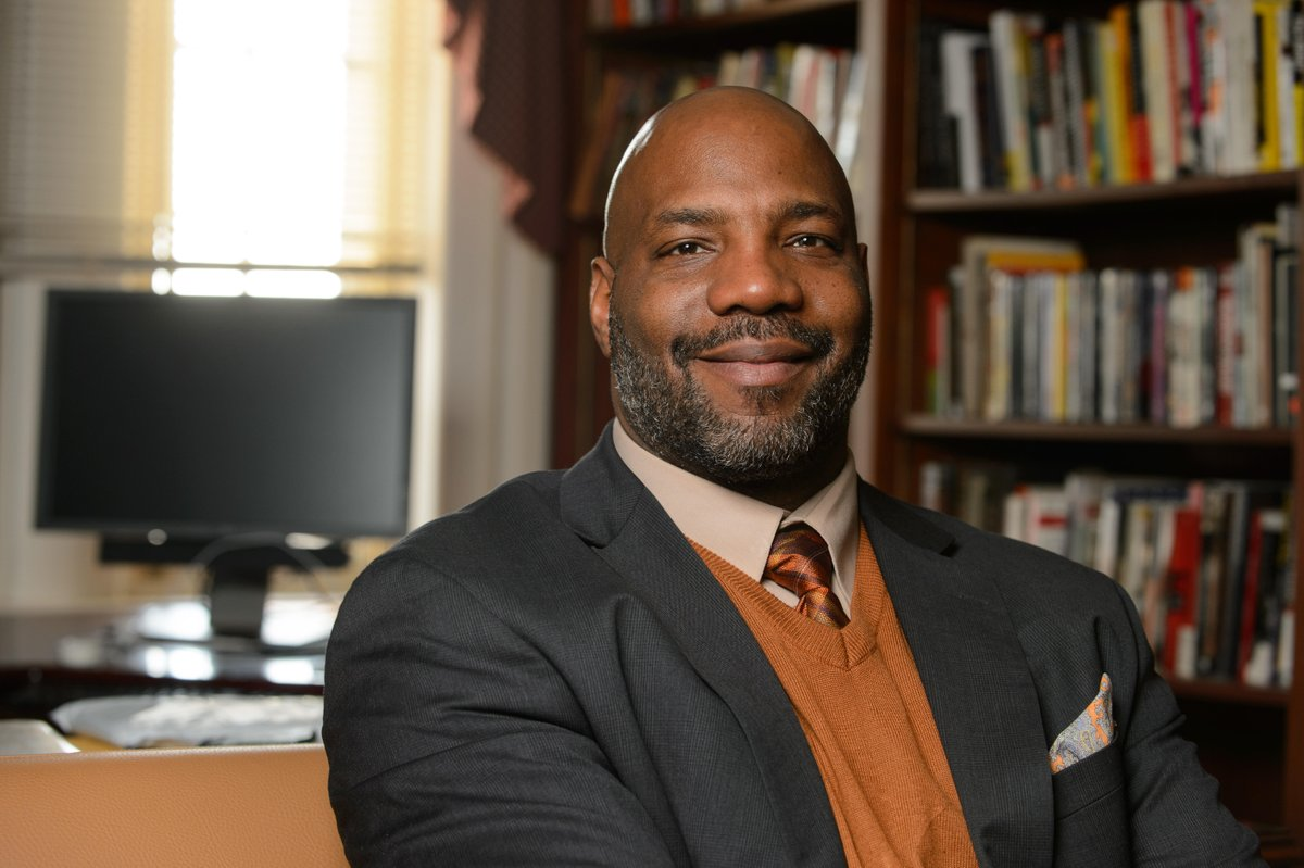 "test Twitter Media - The 28th Hugo L. Black Lecture on Freedom of Expression: ""The Half-Life of Freedom: Race and Justice in America Today"" presented by Jelani Cobb (@jelani9) on Thurs., April 4 at 8pm, Memorial Chapel https://t.co/37AKh1FbNj https://t.co/y5yeeYZpTW"