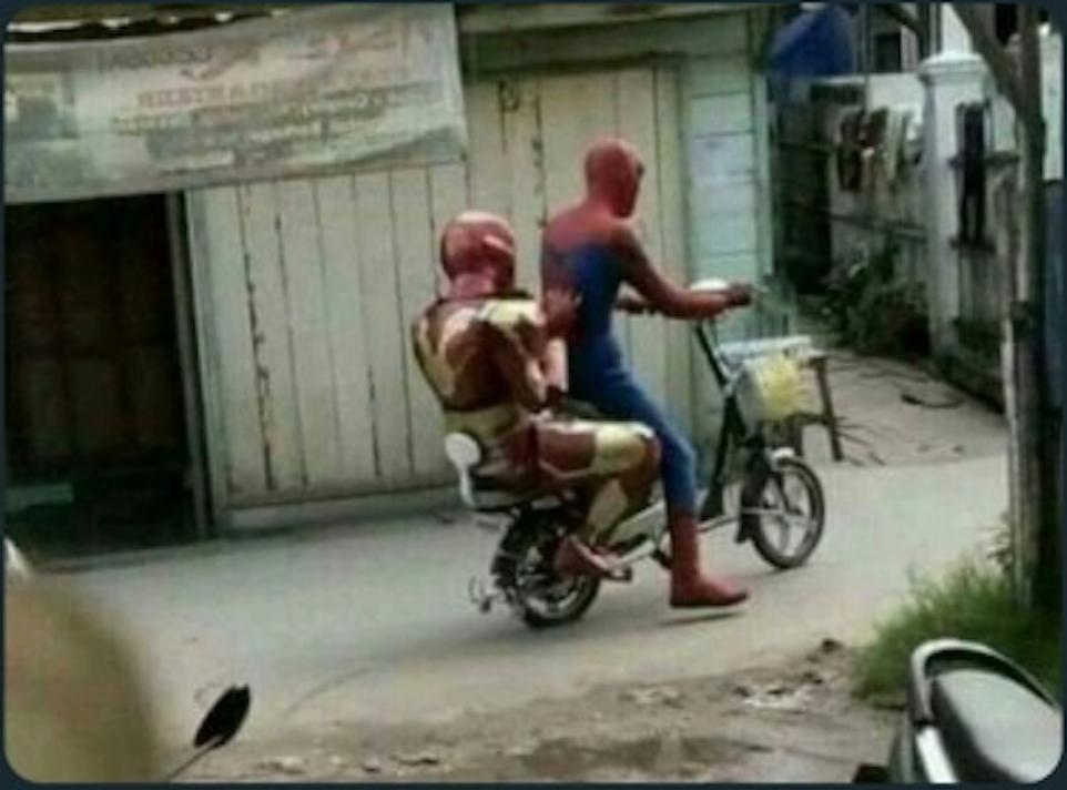 Who knew @TomHolland1996 would be my ride around town? https://t.co/ZZ2sAysuWg