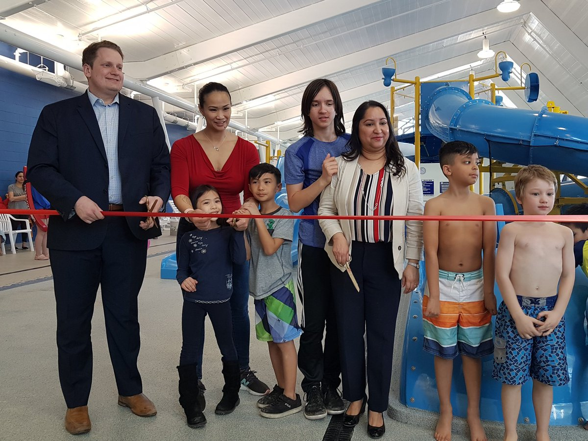 test Twitter Media - Watch out for the overfilled buckets! 🌊☔  Seven Oaks Pool is officially re-opened with a new indoor Slash Pad with councillors @DeviSharmaWpg & @Vivs4PDW  The Manitoba Government provided over $1 million for this project thanks to @Min_JWharton  #indoorpool #7oaks #mbpoli https://t.co/VeYklGHq3F
