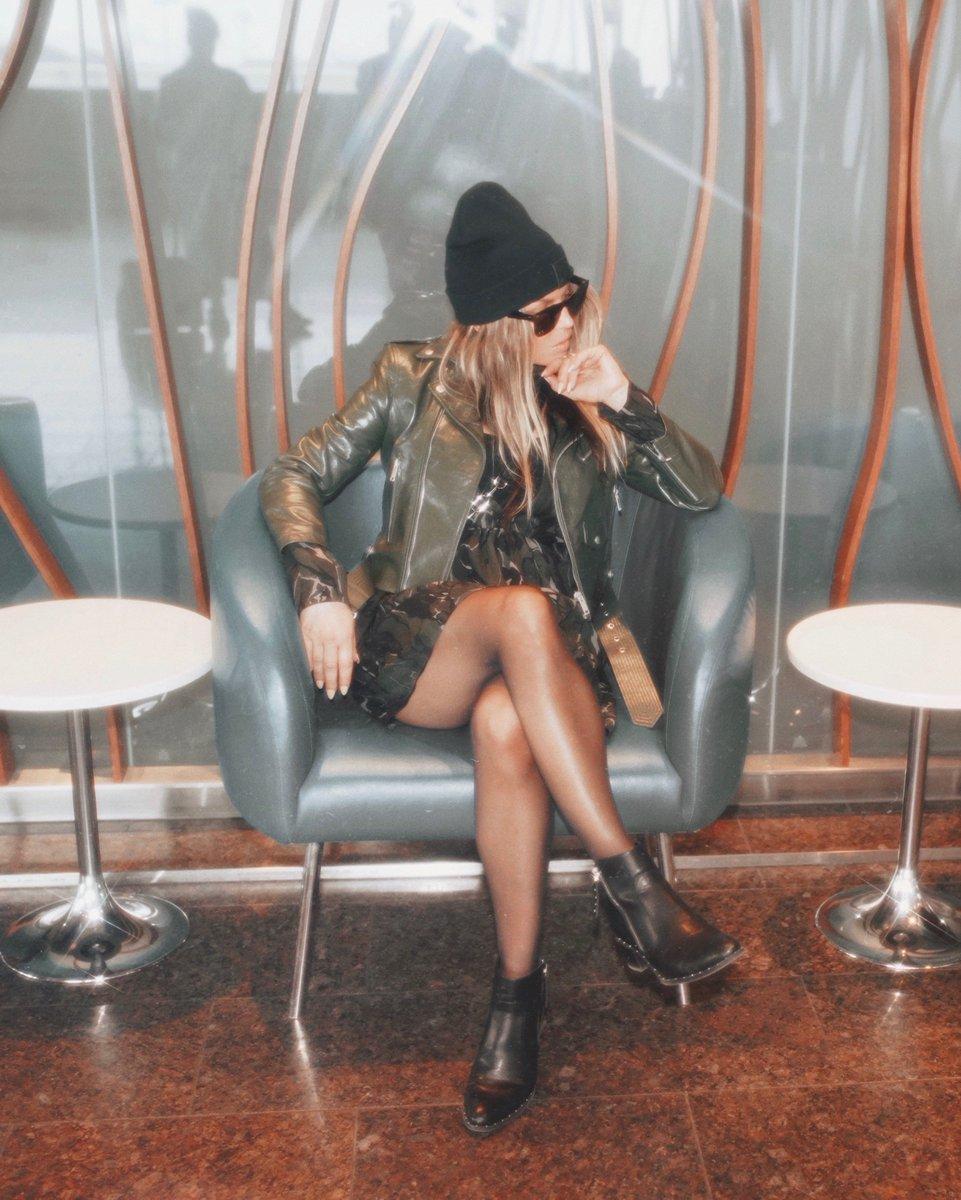 wearing my @fergiefootwear Harding booties, available at @macys ???????? https://t.co/lIJvi7LWKm https://t.co/ERiPJl1SwY