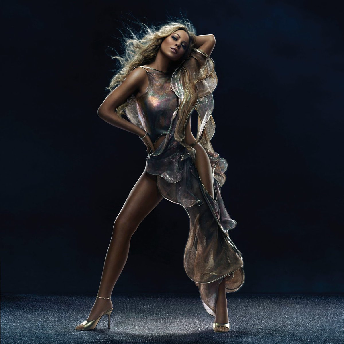 #fbf The Emancipation of Mimi ???? 4.12.05 ???? #lambily what's your favorite song from this album? https://t.co/x7eG77cBQh