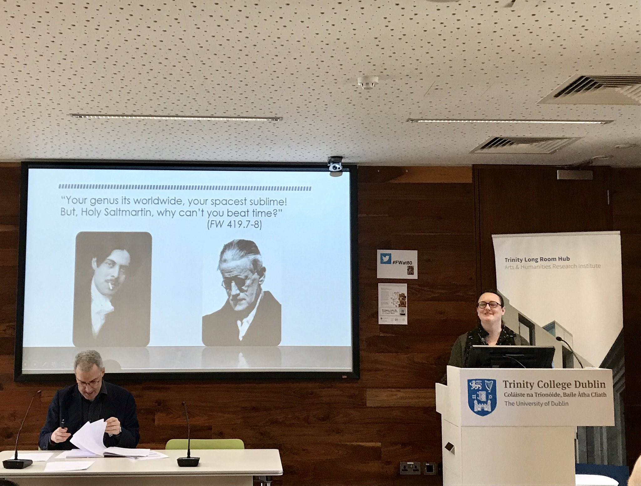 @chrissievmierlo kicking off #FWat80 in spectacular style with her keynote lecture: 'Shaun at 80 (or 96): Verbivocivisualising Character In Finnegans Wake'. #jamesjoyce #FinnegansWake @JoyceanWomen https://t.co/ZuQQPmIXum