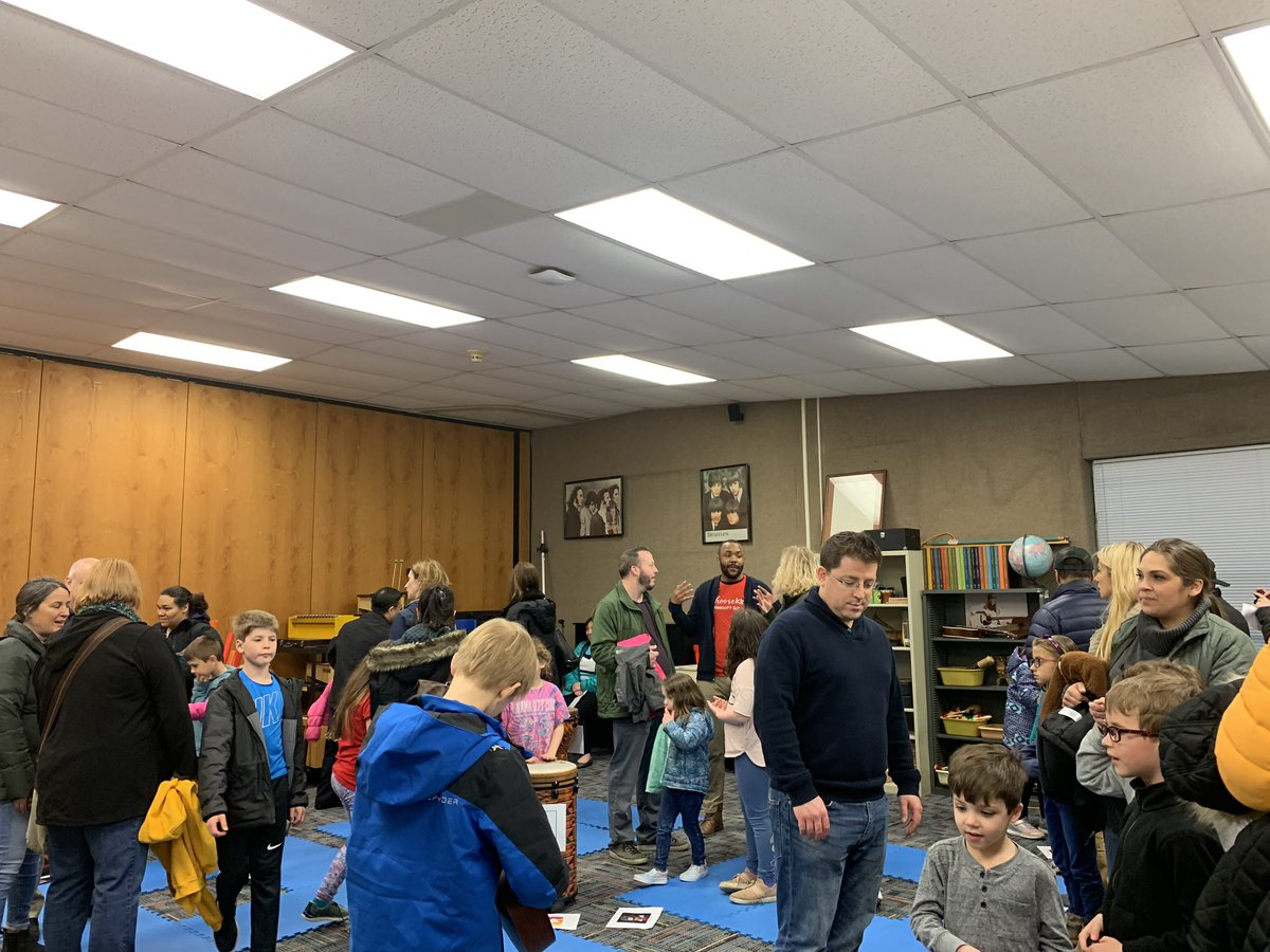 test Twitter Media - Wonderful night of giving and sharing at lighted schoolhouse! #d30learns https://t.co/EyPqPCr7oN