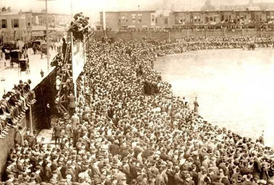#OTD in 1909 in Philadelphia, evolution of the ballpark takes a big step when the steel and concrete Shibe Park (first of its kind) has its inaugural game as A's beat Red Sox in front of more than 30,000. It was a break from wooden ballparks they were always vulnerable to fire https://t.co/tZ3wAKtYJ9