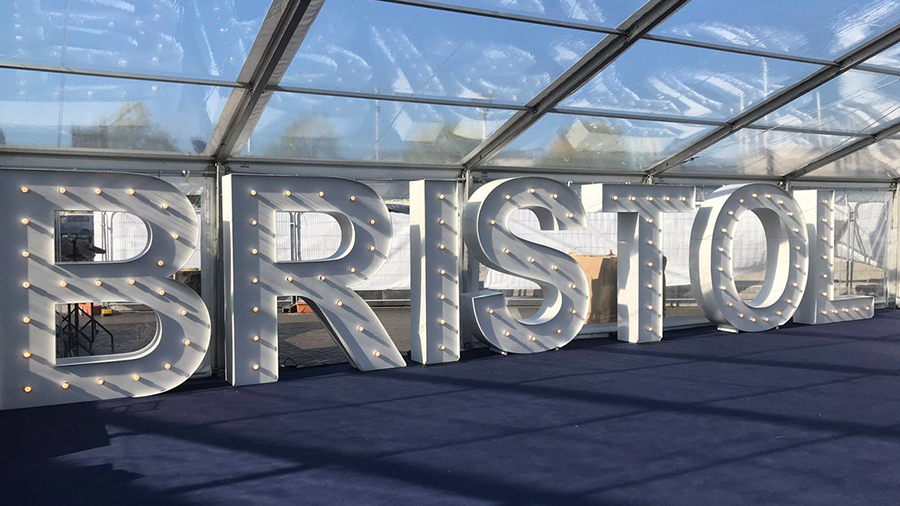 A huge congrats to the team at @StPaulsCRNVL for their success at the last night's @BristolLifeAwds! https://t.co/lxEZOoqnyP