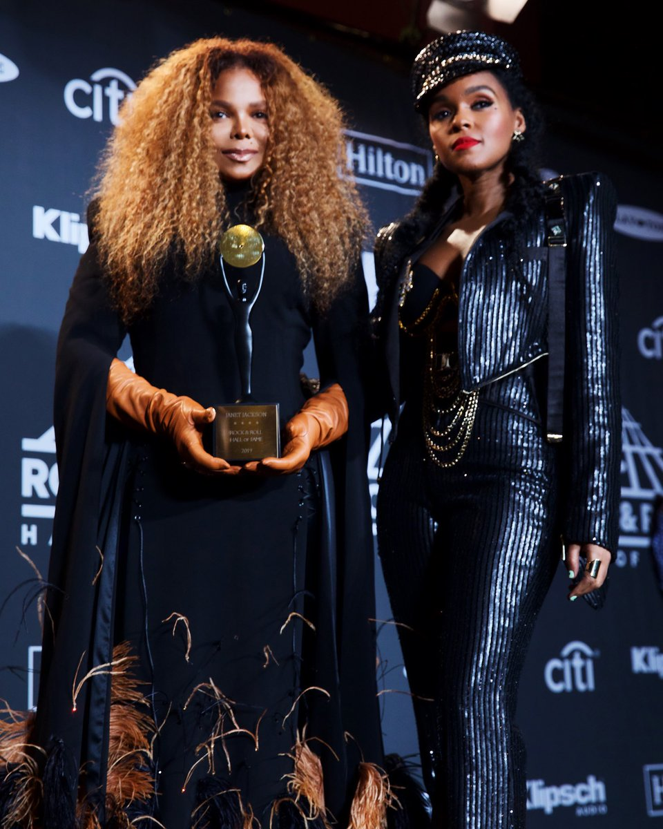 Janelle, thank u so much. You made my night even more special. ???? #RockHall2019 https://t.co/JVKsBXLHcl