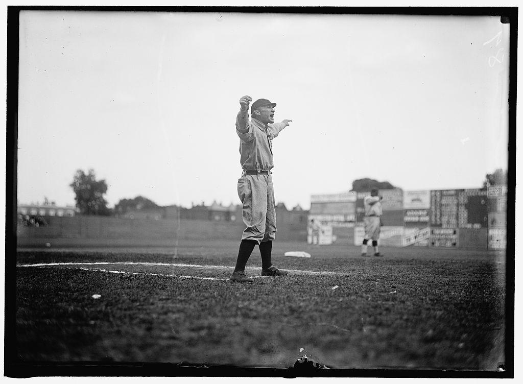 Legendary Detroit Tigers manager Hughie Jennings mans the third base coach's box at Griffith Stadium, Washington, 1913.   Jennings was born #OTD in 1869 (Pittston, Pennsylvania). @tigers #Eeyah https://t.co/aqd2LIfQTG