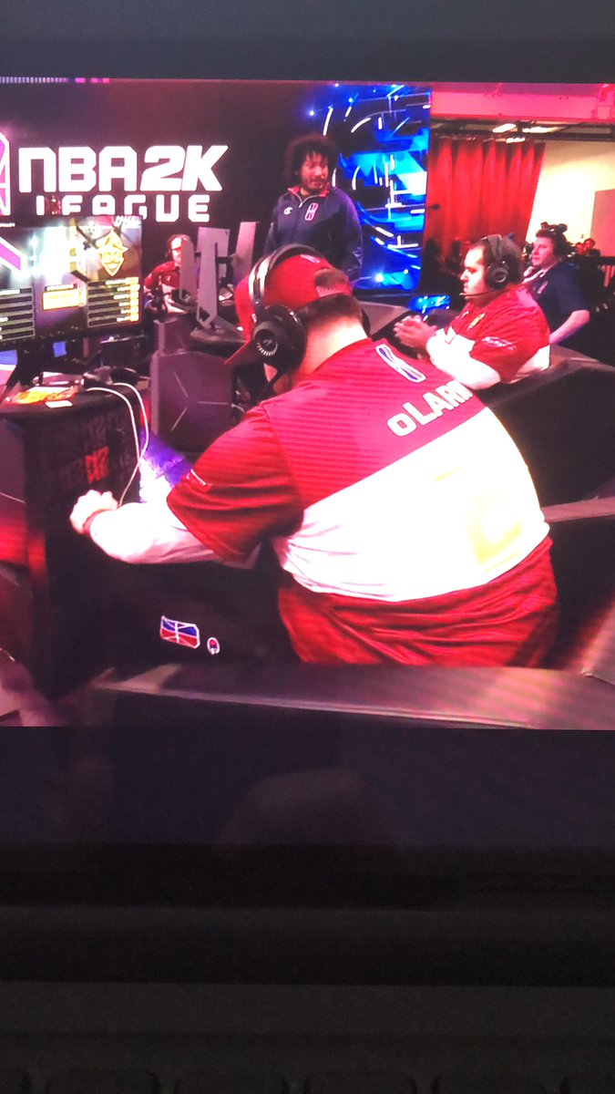 Such a dope moment @oLARRY2K is about to play his first game with @CavsLegionGC !!! Tune in https://t.co/c71fW8BLfE https://t.co/yOxwvYFOIC