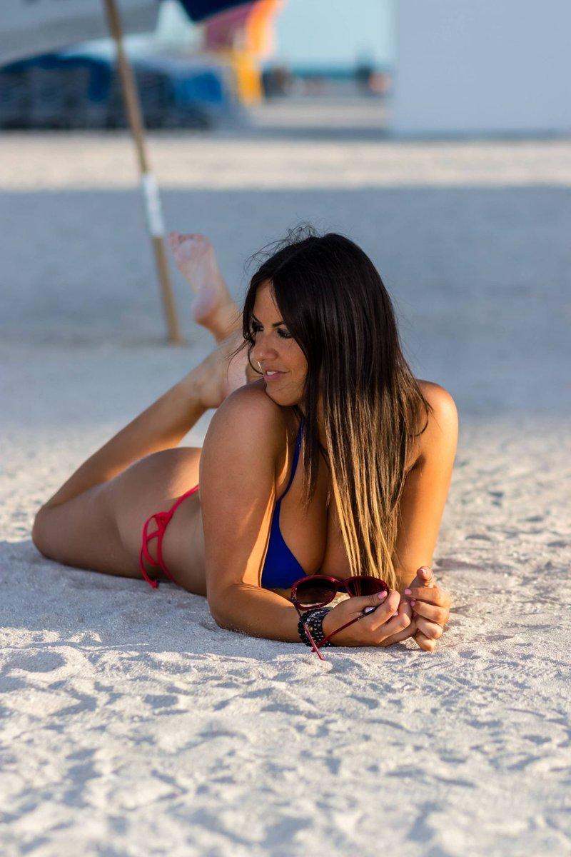 RT @melisasmith799: Claudia Romani in Bikini – Miami  @ClaudiaRomani #ClaudiaRomani #Miami #hot #Enjoy https://t.co/O50huWb0OD