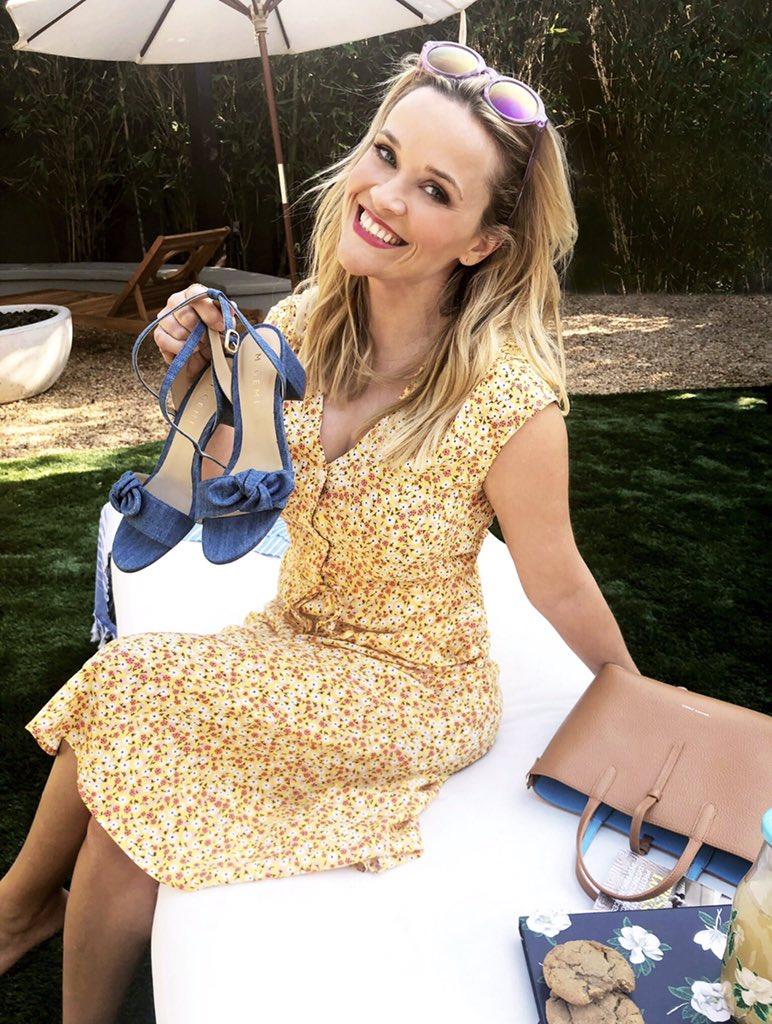 Feeling sassy in my new @draperjames dress and #DraperJamesxMGemi shoes! ☀️ https://t.co/eeyaGlrwIK