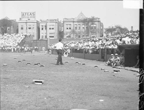 Big fan of this picture. Here is Wrigley Field during the 1929 World Series. Not sure which game, however, I love all the hats on the field. I imagine someone from the #Cubs did something good, or fans were just mad at the umpire. #EverybodyIn https://t.co/HQmgQuLFmT