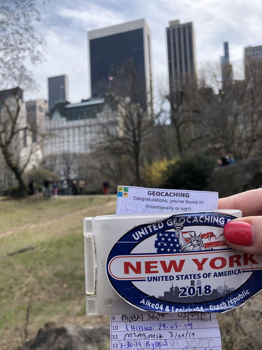 Unser erster #geocache in #NewYork im #CentralPark  | tweeted by @Slothbaer