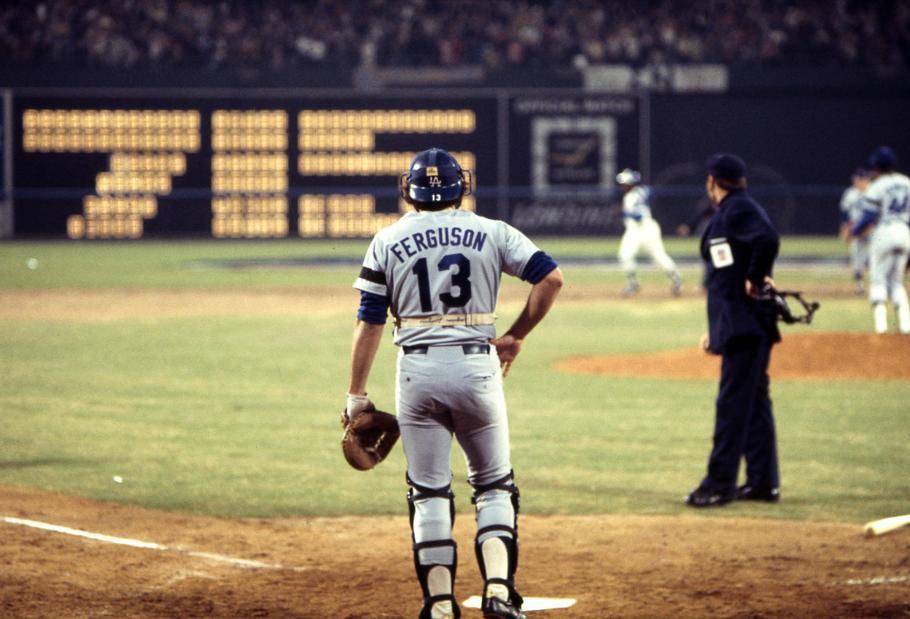 April 8, 1974: 45 years ago tonight, the incomparable Hank Aaron became Major League Baseball's all-time Home Run King!  Braves 7, Dodgers 4 Atlanta-Fulton County Stadium #BadHenry   @Braves @OTBaseballPhoto https://t.co/6s29bNTL3p