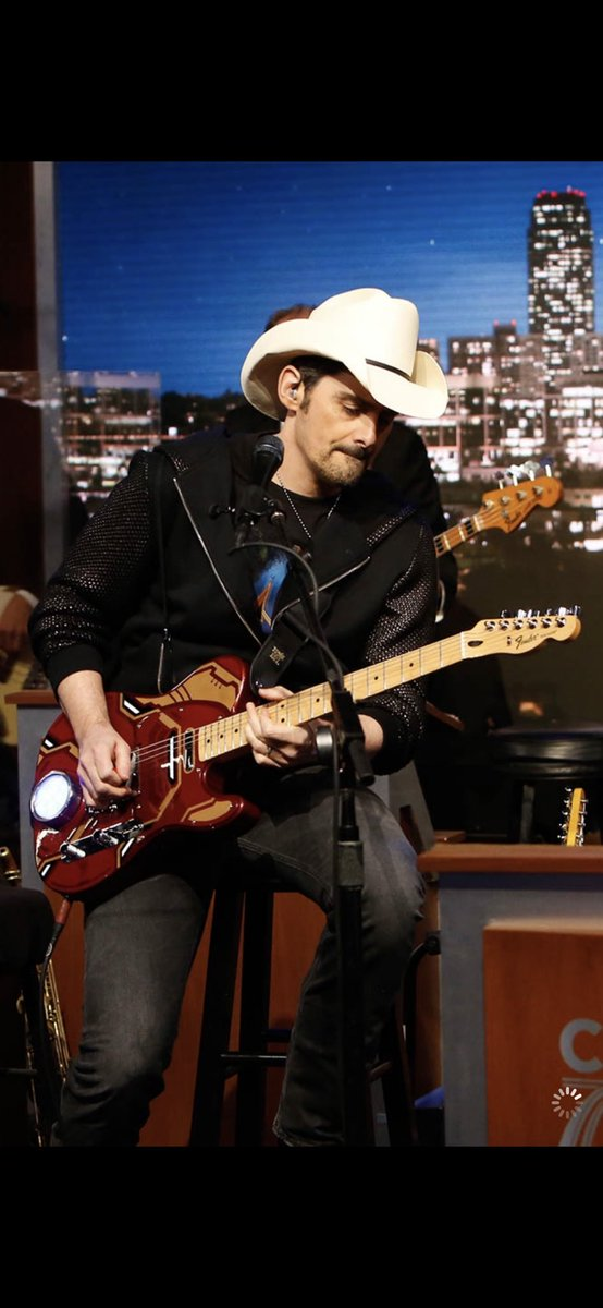 RT @BradPaisley: Tonight...on @JimmyKimmelLive #AvengerEndgame https://t.co/hlBFbsdXXn