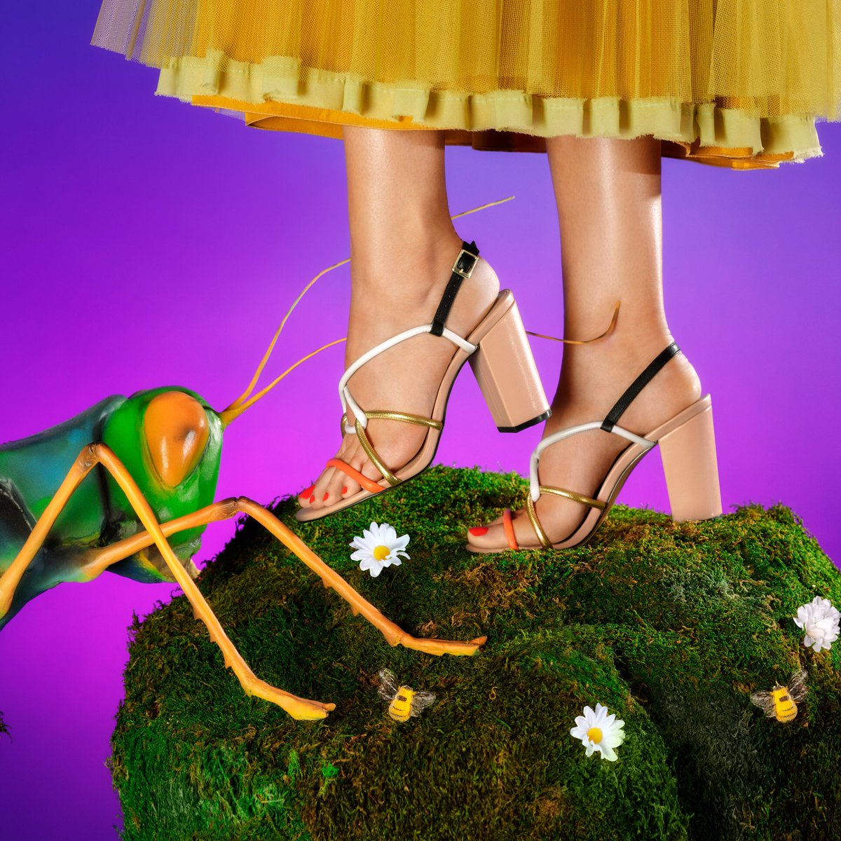 Bug out in this #TuesdayShoesday lewk by @kpcollections ???????????????????? https://t.co/RwZUymhaRN