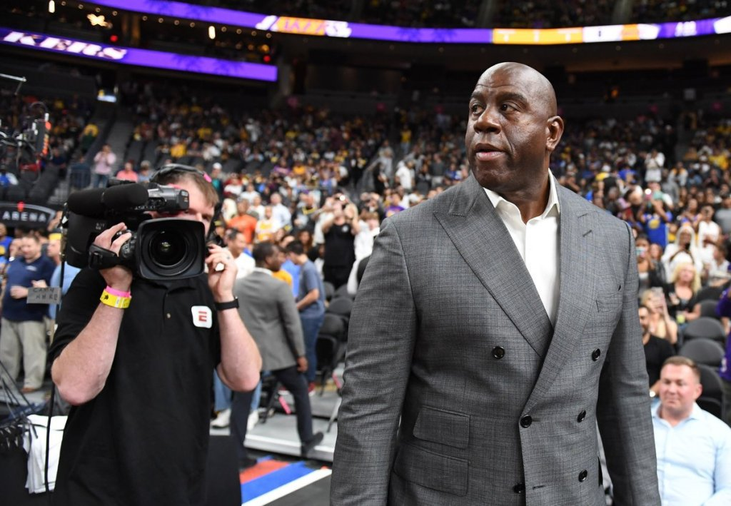 RT @thisis50: Magic Johnson abruptly resigns as LA Lakers President of Basketball Operations https://t.co/lK6NCmzzRx https://t.co/DeDdG4wXms