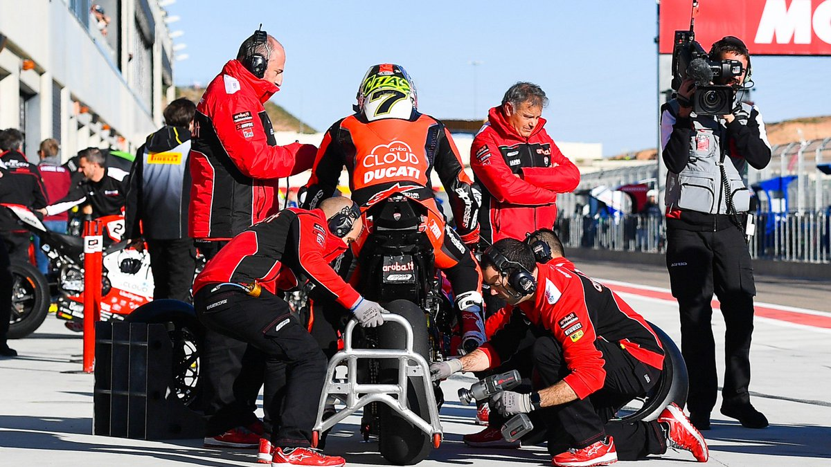 test Twitter Media - 🔴 Ducati warming up for Italian return with one-day Imola test  Championship leader @19Bautista will make his debut around the Italian track this week  📃 | #WorldSBK https://t.co/gqzh79RBdU https://t.co/uHEn4xjZtz