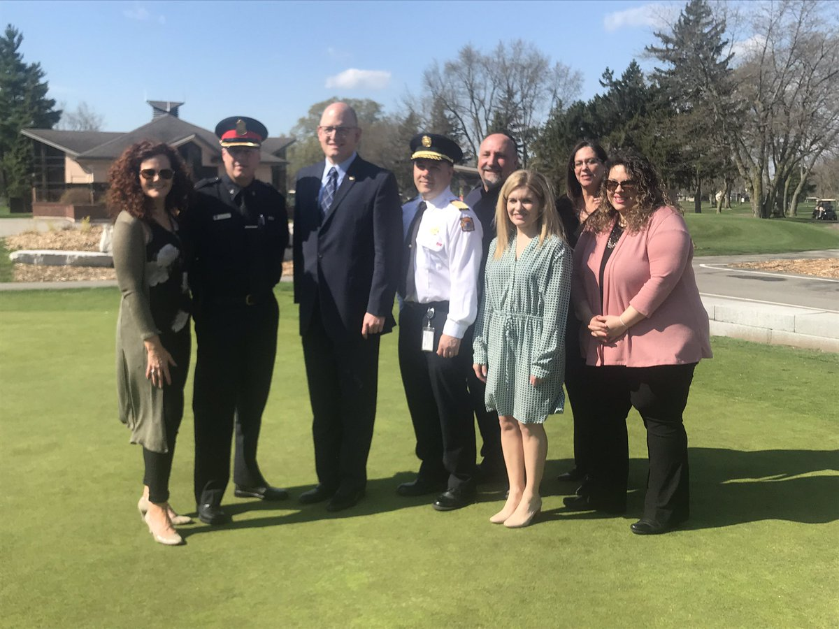 test Twitter Media - Head over to our Facebook page - we had live coverage this morning @RoselandGolf with @CityWindsorON announcing 2022 Can Am Police Fire Games @WindsorPolice @WindsorFire1 We are so grateful to be a partner on this exciting #YQG event! #FirstResponders #mentalhealth https://t.co/fWPMtNm2WL