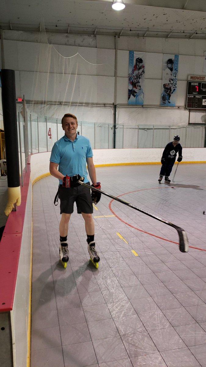RT @SLUHInline: @Chazzy25NHL looking sharp at practice today! #rollerbills #derby #MOIHA #AMDG #UHIGH https://t.co/IHsxQT8xdd