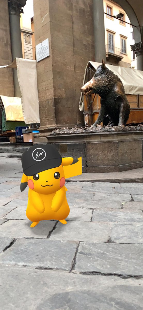 test Twitter Media - Thunderbolt and I came to Florence! You know we had to ensure our return to Florence so we put a coin into the boar's mouth, let it fall for good luck, than we rubbed the boar's snout! #pokemongo #florence #italy #porcellinofirenze #gosnapshot https://t.co/rSyjSeumYb