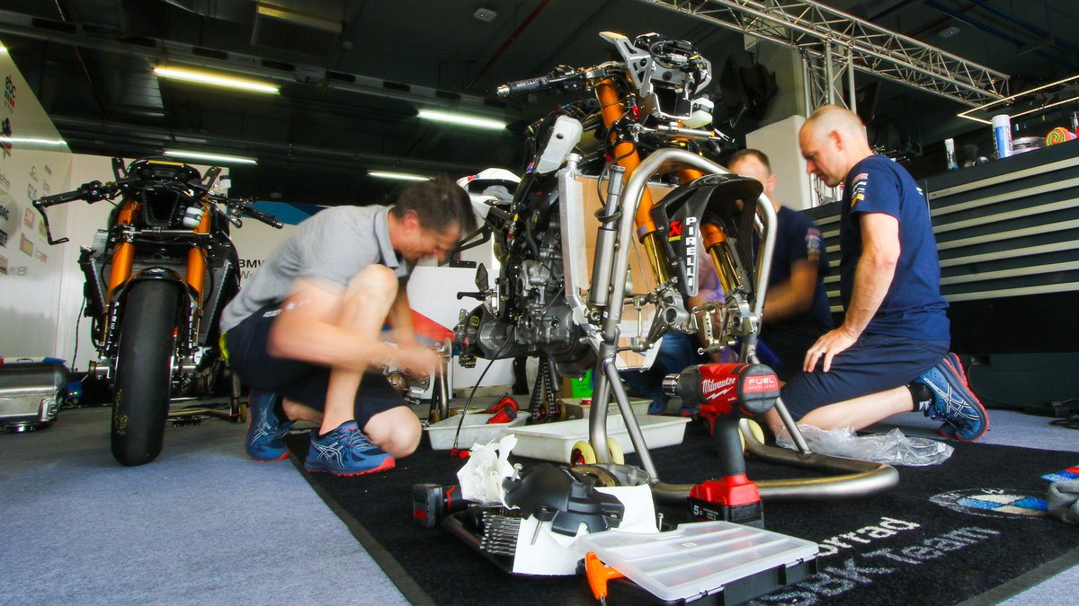 test Twitter Media - ⛓Tech talk: @SMRWorldSBK 's Aragon and Assen boost  The German marque worked on optimizing the S1000 RR after the two opening rounds – with interesting results  📃 | #WorldSBK https://t.co/NOMka17s1s https://t.co/KAuwJCCxRc