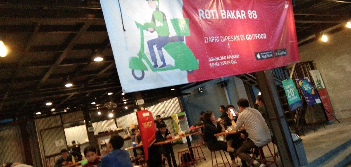 I'm at Roti Bakar 88 in Tangerang Selatan, Banten https://t.co/hEC0db0iyp https://t.co/TkMA06GkNh